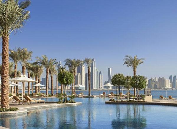 Nyåbnet hotel: Bo på palmen i Dubai - Fairmont The Palm